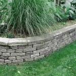 muretto in pietra per siepi giardino