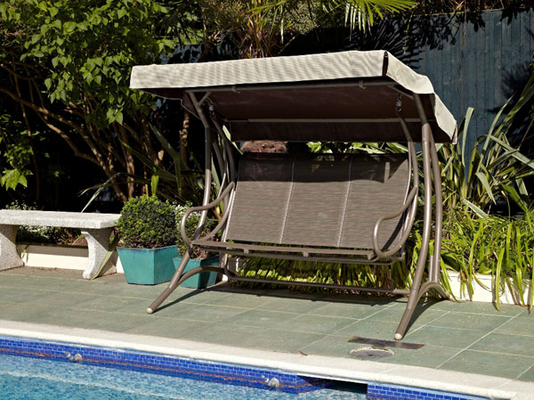 amaca dondolo bordo piscina
