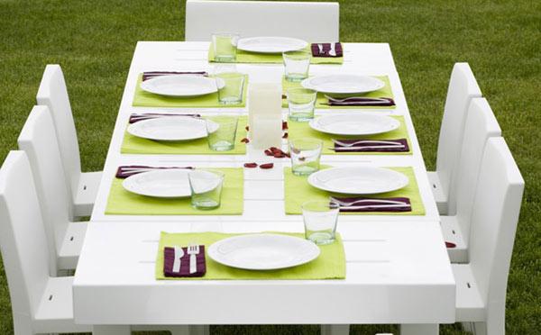 Arredo per esterni in plastica da giardino: sedie, tavolo,sdraio, poof
